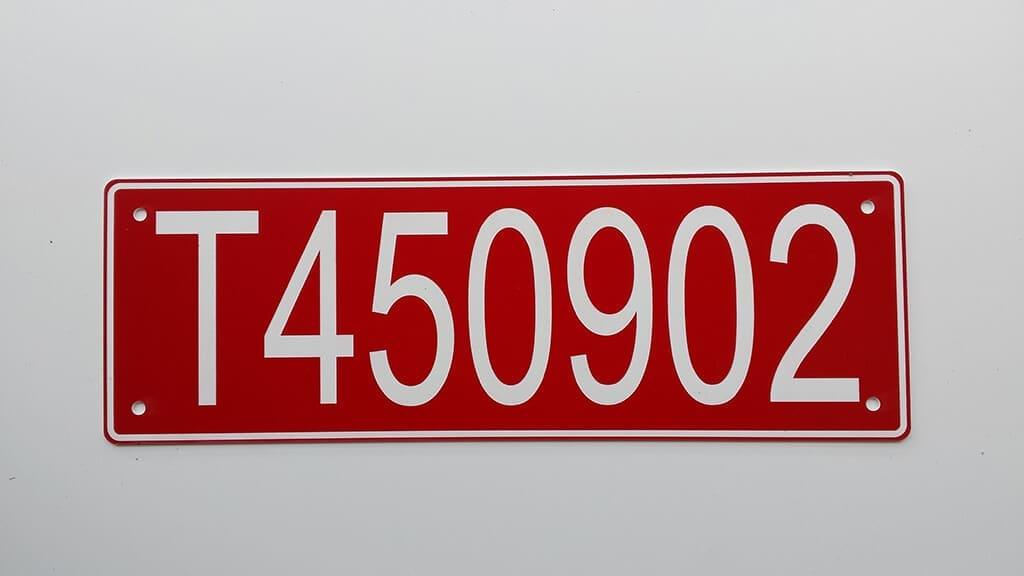 Tabliczka z numerem transformatora