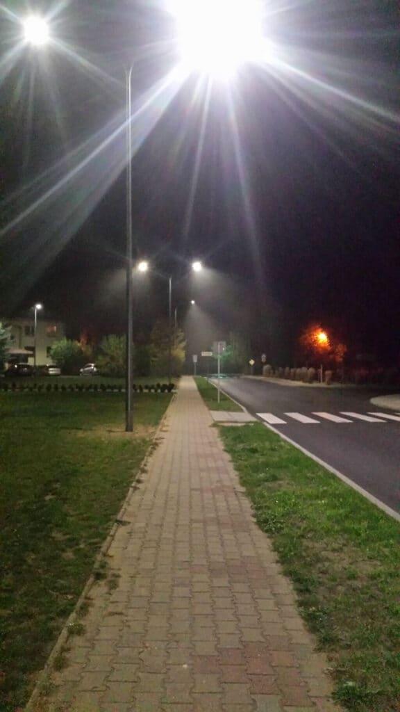 Wymienione słupy oświetlenia ulicznego